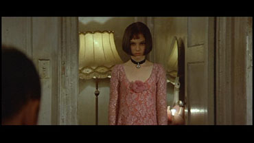 Natalie portman leon cut sex scene