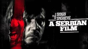 """A SERBIAN FILM sorgte für kontroverse Diskussionen. Während die ungekürzte Fassung """"nur"""" auf Liste A indiziert wurde, gab es für die deutschen Kaufhäuser noch eine um 13 Minuten zensierte FSK-Fassung."""